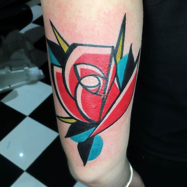 Best 25 england tattoo ideas on pinterest geometric for Abstract rose tattoo