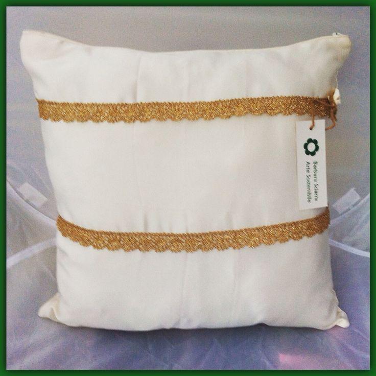 Cuscino in seta color avorio