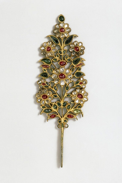 turban ornament, made in India of gold, diamonds, rubies, and emeralds, early 18th century- loved & pinned by www.omved.com
