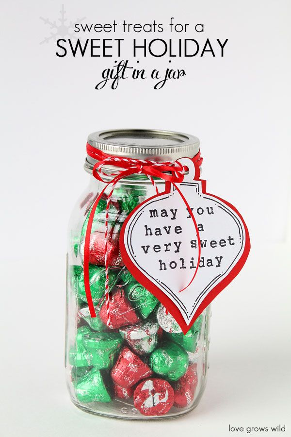 Package some sweet treats in a mason jar for an easy gift idea! Just add a cute tag tied with some pretty ribbon! Get more ideas at LoveGrowsWild.com #masonjar #sponsored