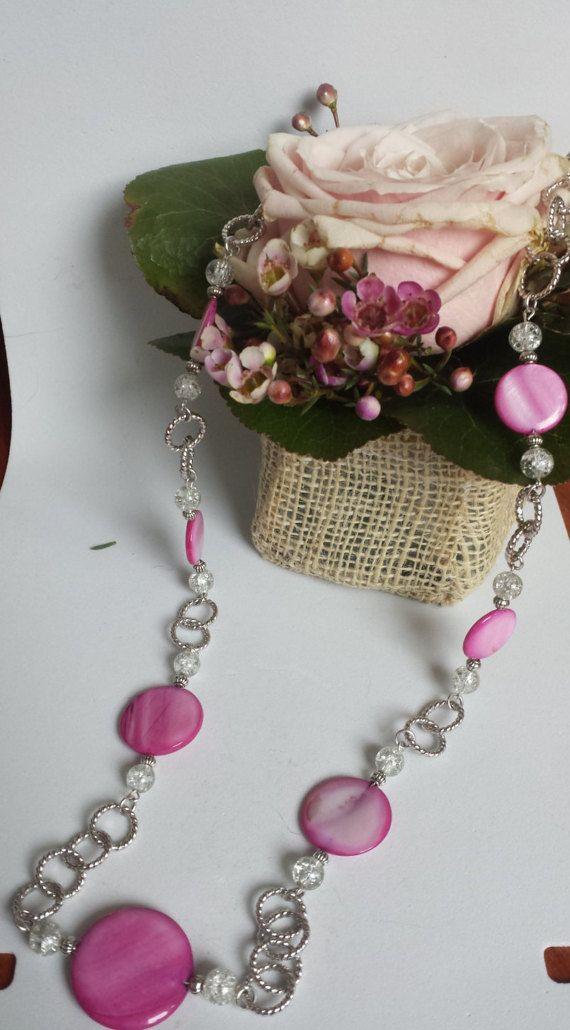 collana madreperla rosa di Anaherabijoux su Etsy