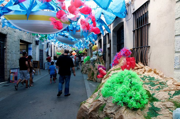 DECORATED STREETS AT FESTES DE GRÀCIA