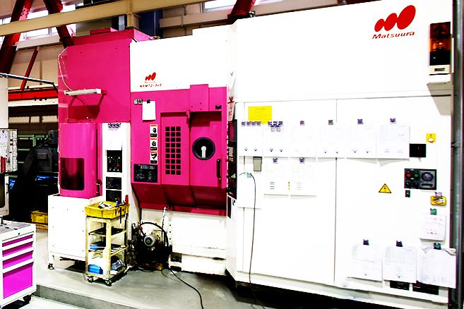 Five-axis machine Matsuura MAM72-3VS #pink 五軸加工機/松浦機械/MAM72-3VS