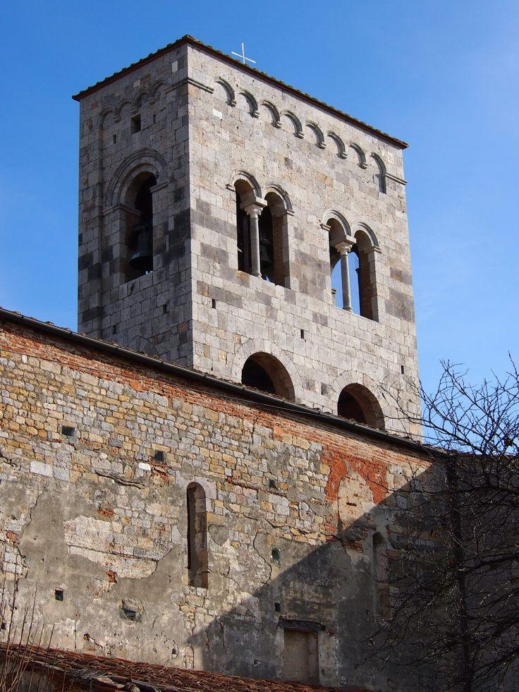 Abbazia di San Savino il campanile Abbazia, Pisa, Toscana