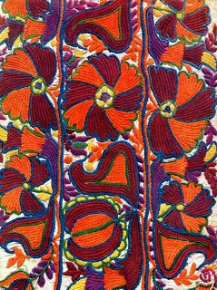Weaving detail - Ždiar - early 20th Century. Slovakia - http://chaudron.blogspot.nl/search?updated-max=2013-10-16T04:07:00-07:00&max-results=7&start=5&by-date=false