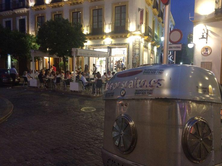 Esperando un pedido de Freiduría Puerta de la Carne #Sevilla