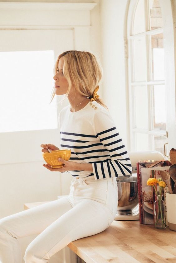 Mar 20, 2020 – 7 Chic Ways To Dress Like a French Women. How to style your clothing to achieve the classic Parisian chic…