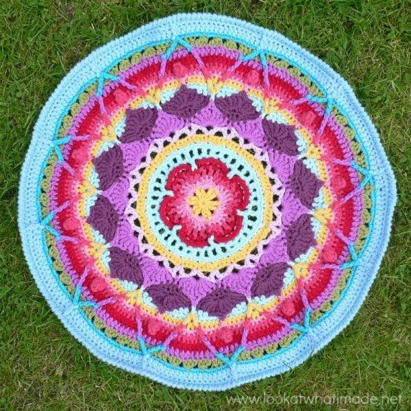 Sophie #crochet mandala free pattern by @dedristrydom