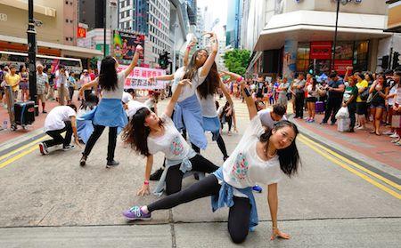 Flashmob Friday! > http://bit.ly/1Cw14yV