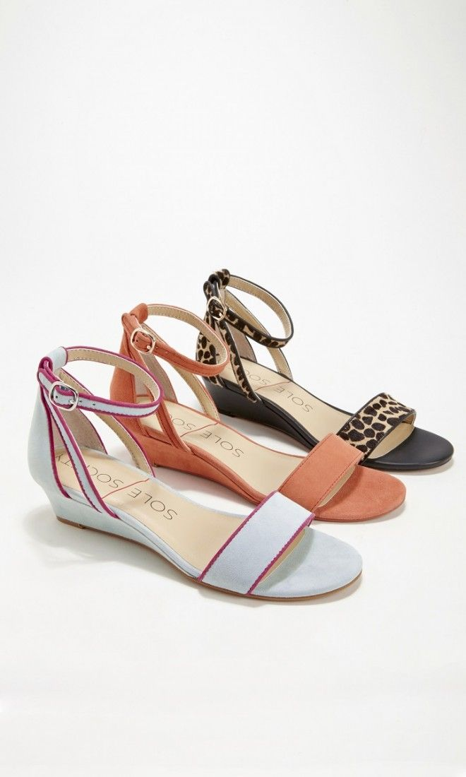 Perfect for spring: Comfortable suede mini wedge sandals with an open toe and ankle strap