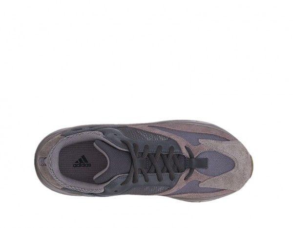 reputable site 93fc1 4dd43 Pro-Order*Adidas Yeezy 700