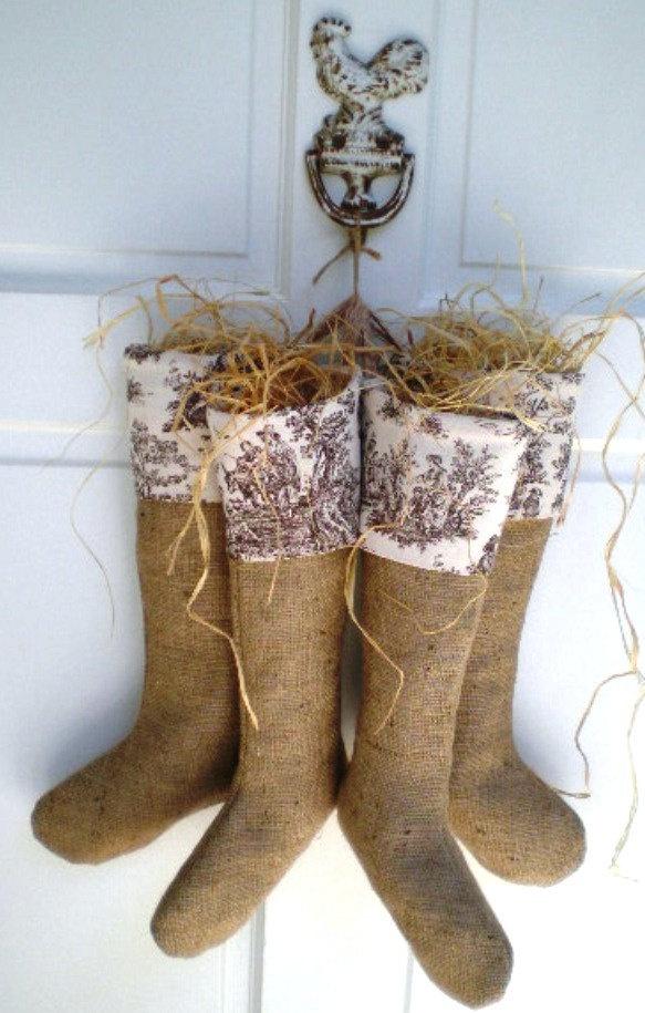burlap & toile stocking wreath -- darling!  :)