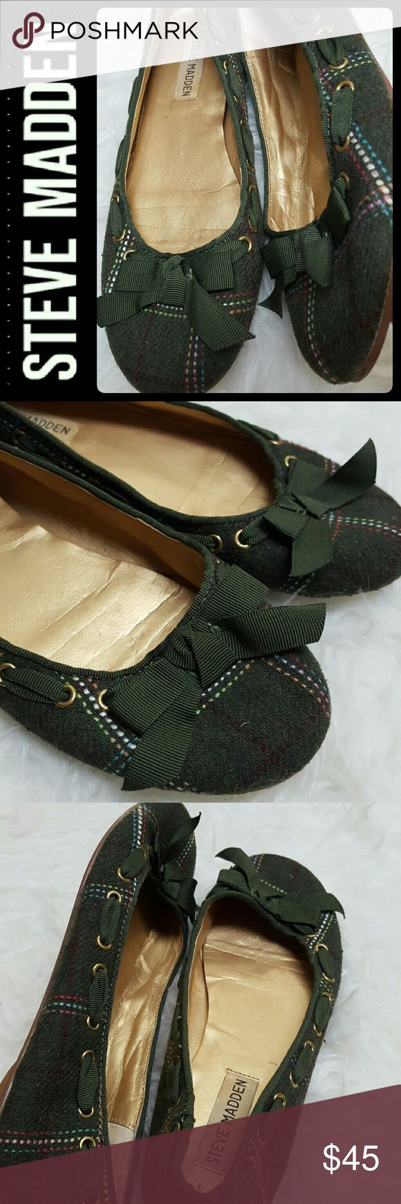 Steve Madden Bow & Lace Flats Steve Madden Signature Shoes in Adorable Bow Detail on Vamp Flats! Lacey Ribbon All Around with Fabric Upper and Leather Outsole! Size 7M, Used in Mint Condition! Steve Madden Shoes Flats & Loafers