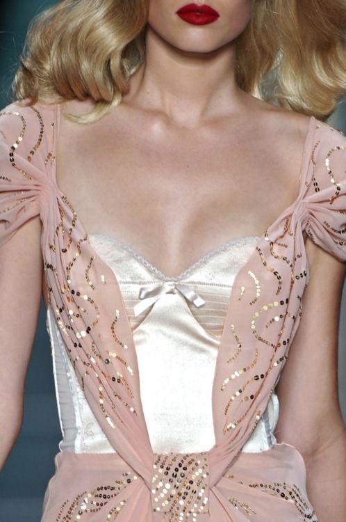highqualityfashion:    Christian Dior SS 2010 details