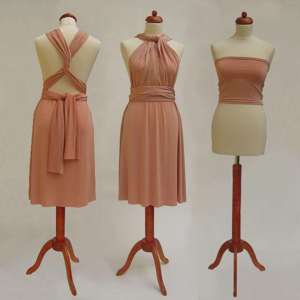Krátké lososové Convertibles® šaty 👗 #lososovesatyconvertibles Každé #satyconvertibles mají k sobě bolerko/top ve stejné barvě, které si můžete vzít přímo na tělo nebo použít jako krycí díl vašeho vlastního spodního prádla. Šaty ale můžete nosit i bez něj a nechat tak vyniknout svá záda 👌