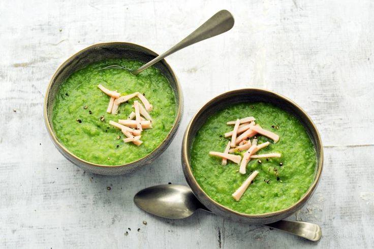 Met vijf ingrediënten maak je al een heerlijke soep. Kost ook helemaal niet veel tijd! - Recept - Allerhande