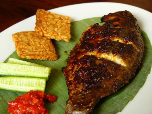 "Indonesian food ..   grilled fish with fried ""tempe"""