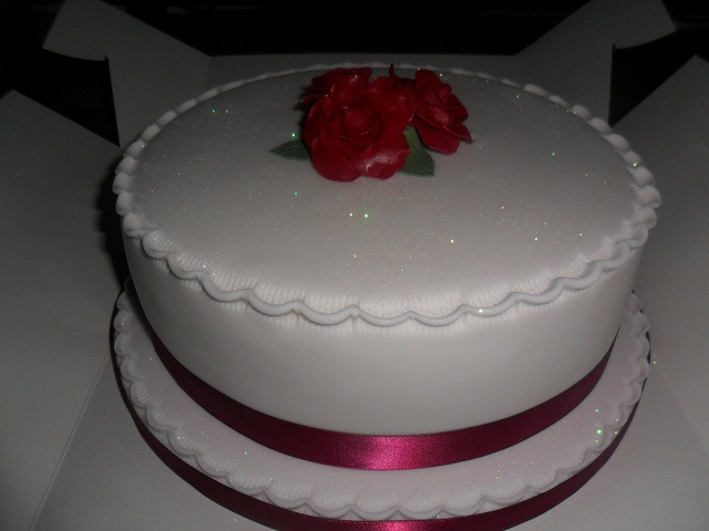 white wedding cakes with red roses by lizzies_cakes lizzies cupcakes lizziescakeshop, via Flickr