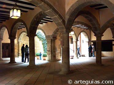 Interior del Ayuntamiento de Rubielos de mora