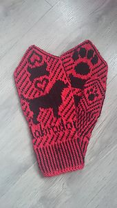 I was asked to knit a pair of Labrador Mittens for a friend, however I could not find a pattern, so I created my own