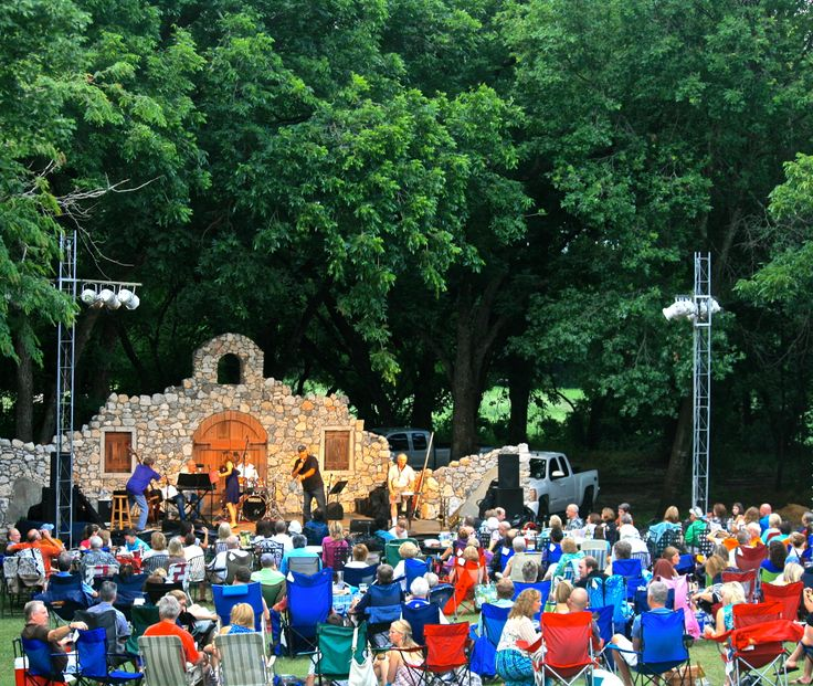 Wales Manor Winery and Vineyard. McKinney, TX. Outdoor Concerts