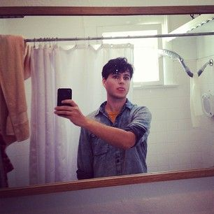 And a selfie with his tongue slightly out. | 27 Reasons Why Everybody Needs Some Ezra Koenig From Vampire Weekend In Their Life