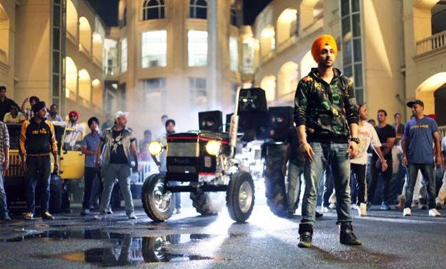 Diljit Dosanjh Radio Lyrics  http://www.indianenter.com/diljit-dosanjh-radio-lyrics/