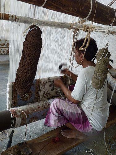 Weaving a carpet Jaipur