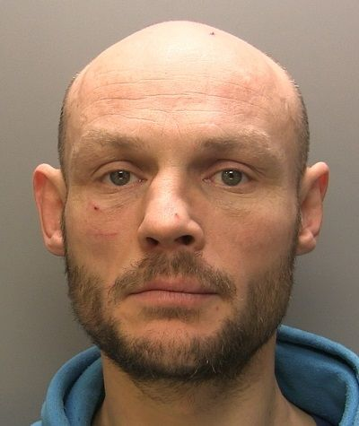 Man jailed for Workington stabbing http://www.cumbriacrack.com/wp-content/uploads/2017/04/John-Wayne-Conaway.jpg A Workington man who stabbed a person in the chest last month has been jailed for seven and a half years.    http://www.cumbriacrack.com/2017/04/27/man-jailed-workington-stabbing/