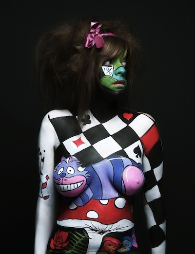 Alice in Wonderland body painting makeup.: Alice Au, Bodypaint Disney, Body Paintings, Alice In Wonderland, Bodyfac Paintings, Paintings Dessin, Paintings Pay, Wonderland Body, Paintings Makeup