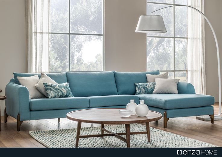 Modern duruşu ile salonlarınıza sadelik getiren Polka Köşe Takımı; yüksek konforlu geniş oturumu, özel tasarım ahşap ayakları ve kırlentleri ile evinize zevkli bir dokunuş katıyor.