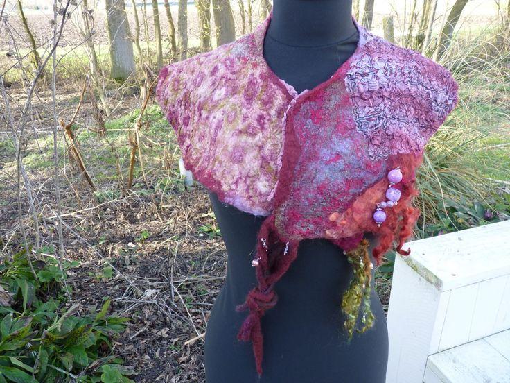 felted neckwarmer gevilte kraag gevilte shawl felted shawl door Werkenmetwol op Etsy