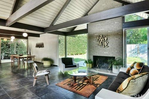 The mid-century houses of developer Joseph Eichler have such a cult following that, although he built thousands in California, it's still pretty hard to get your hands on one....