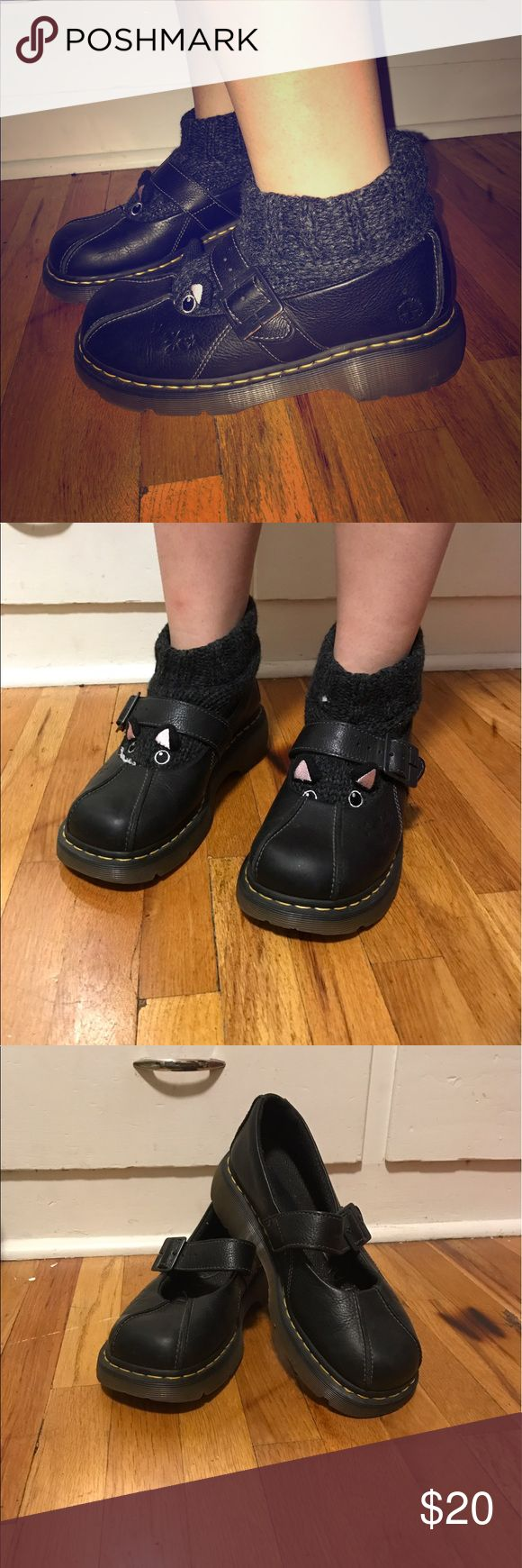 ✨Doc Martins size 10🦄 These Docs are a size 10 and lightly used!! Pics of the sole included 🌟 make me an offer! Doc Martin Shoes