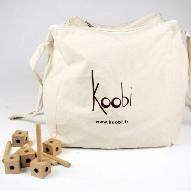 Největší verze stavebnice Koobi, která je nazvaná Koobi vášeň a skládá se z 200 spojko-kostek a 350 tyček.