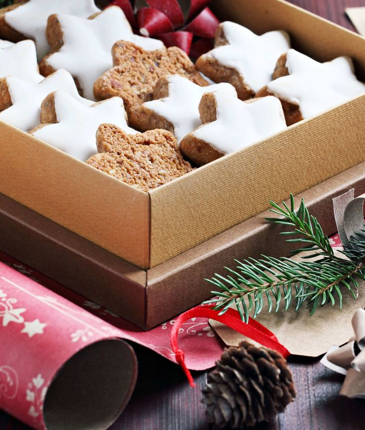 german zimtsterne recipe baking cookies almonds hazelnuts cinnamon star traditional authentic germany christmas holidays