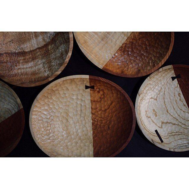 . 欅と栓と楕円形 . #木皿#プレート#片井家具道具#マイホーム#インテリア#家具#オーダー家具#木工#暮らし#デザイン #woodworking#woodwork#furniture#bowl