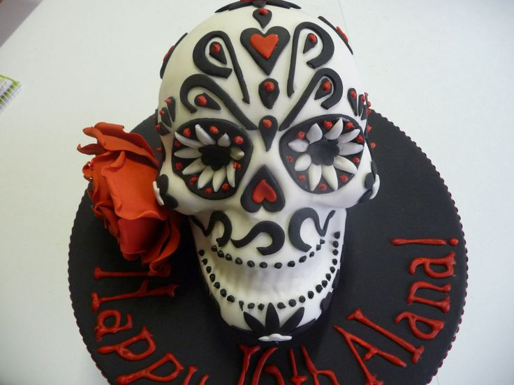 Black, white and red floral skull cake - deadly!