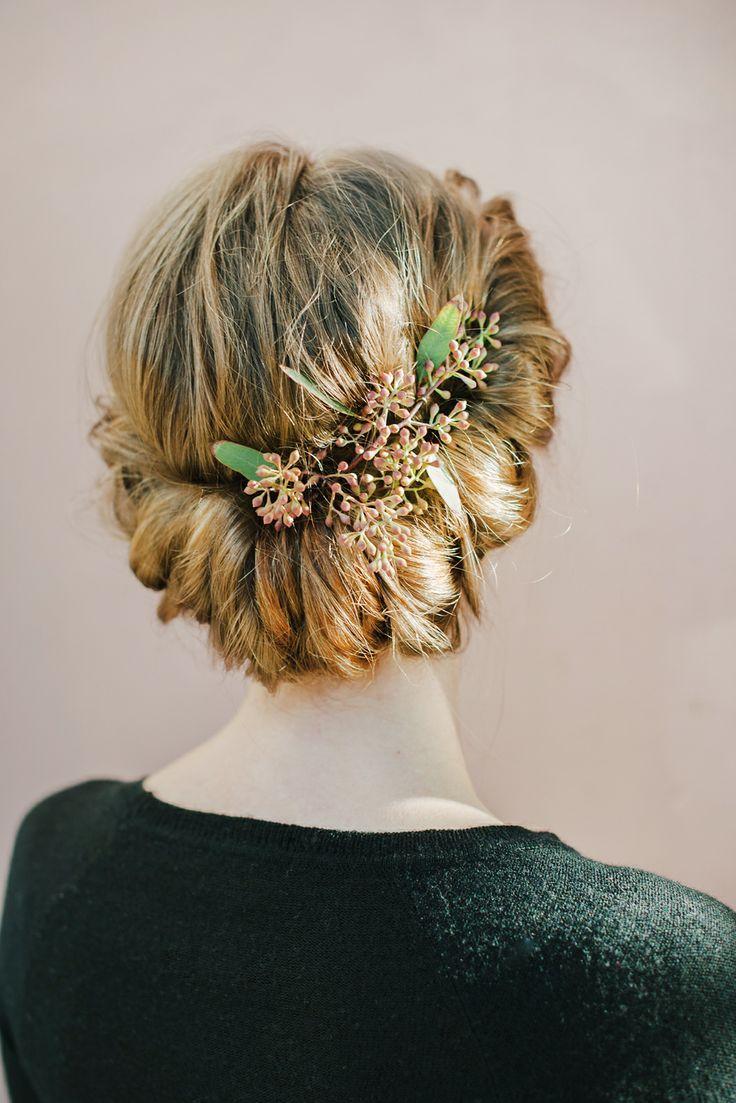 great bridal hair look! Wedding hair with flowers