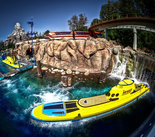 1000 ideas about finding nemo submarine voyage on for Sejour complet disney