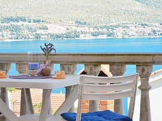 Appartamento per 2-4 persone molto vicino alla spiaggiaCase vacanze in Trogir da @homeawayitalia