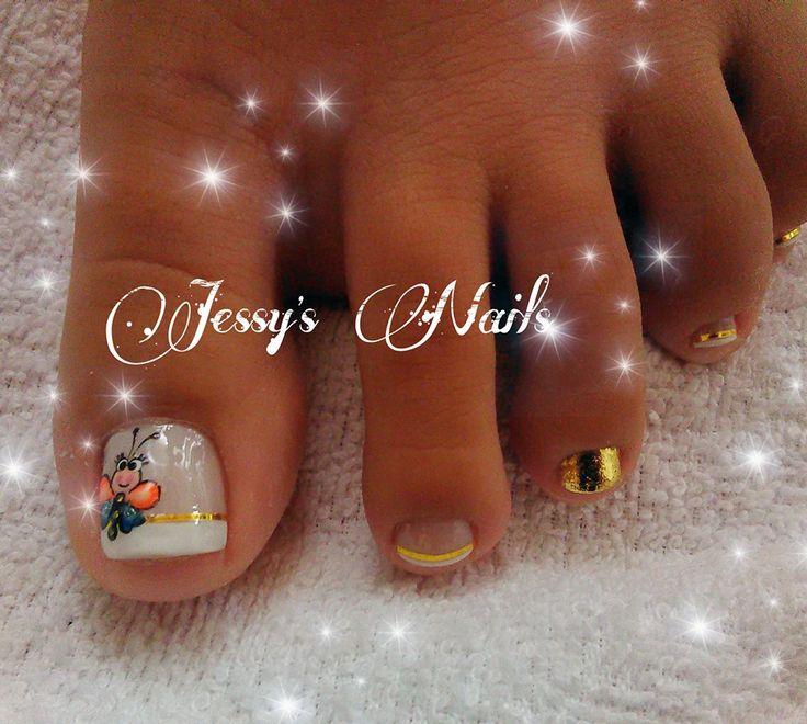 uñas delicadas con dorado #uñas #quinceañeras #bonitas #delicadas