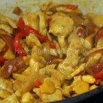 Kylling+i+karry+med+mangochutney+og+kokosmælk