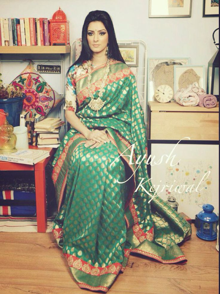 Benaras❤️ This vintage traditional Bengal Benarsi Silk saree is iconic. It's an overused expression, but by my reckoning , BENARAS fits the bill. Its, vintage, charismatic and most importantly it's very stylish. It's not for everyone but it is the one for one of the most stylish amongst you. For purchases email me at ayushk@hotmail.co.uk or whats app me on 00447840384707. We ship WORLDWIDE #sarees,#saris,#indianclothes,#womenwear, #anarkalis, #lengha, #ethnicwear, #fashion, #ayushkejriwal