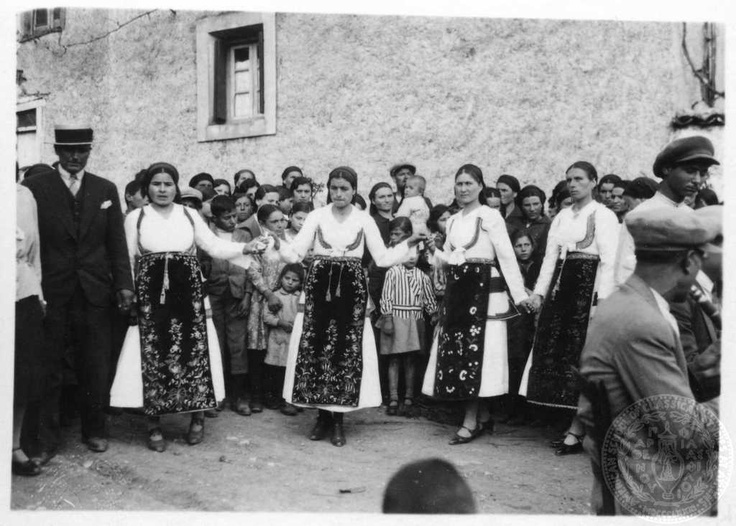 Arachova. Boeotia.  Easter dance. 1933; Dorothy Burr Thompson.