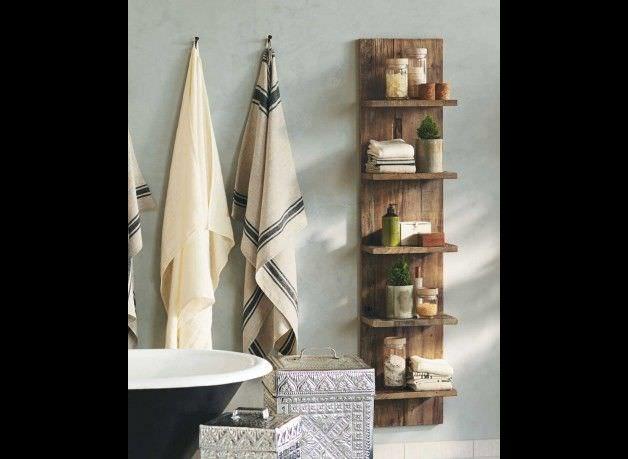 Schlicht und praktisch, aber trotzdem hip und stylish! Ein schickes Regal mit viel Stauraum für alle eure Badutensilien. Selbstverständlich passen wir es gern an euer Bad an. Natürlich - wie immer...
