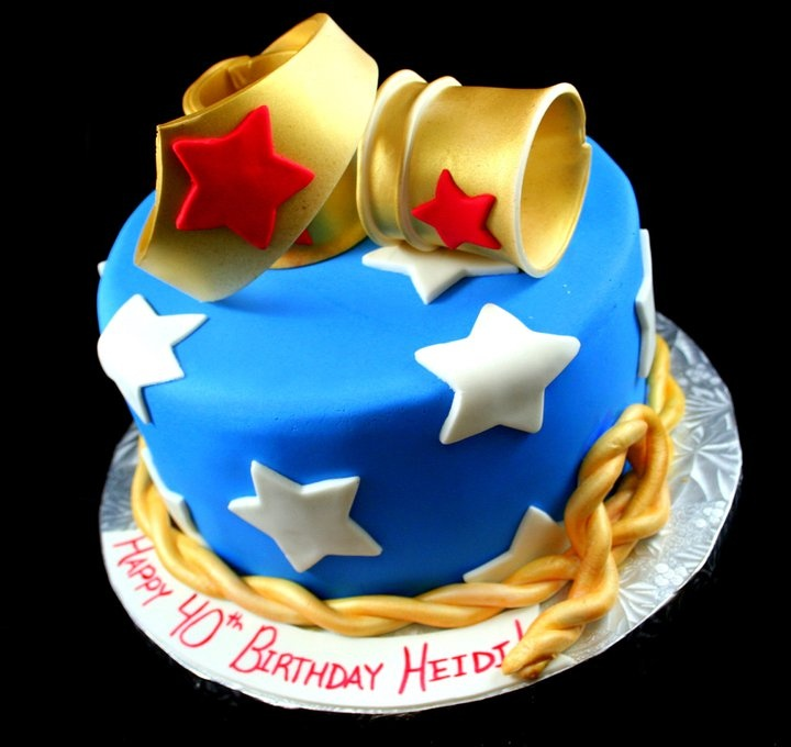 Wonder Woman cake! I want someone to make me this cake for my birthday!