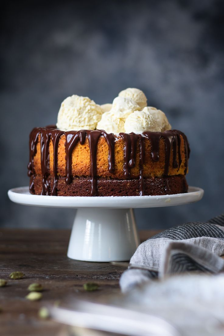 PUMPKIN CAKE - Brown Butter Pumpkin Chocolate Cake with Saffron and Cardamom |foodfashionparty| #pumpkincake