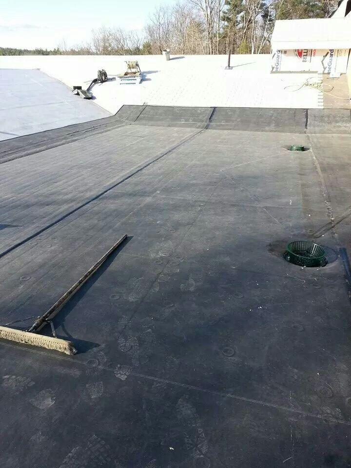 Magic Companies Inc Installing A New Rubber Roof At Crossroads Church  Fitchburg Ma Vbm / Peter