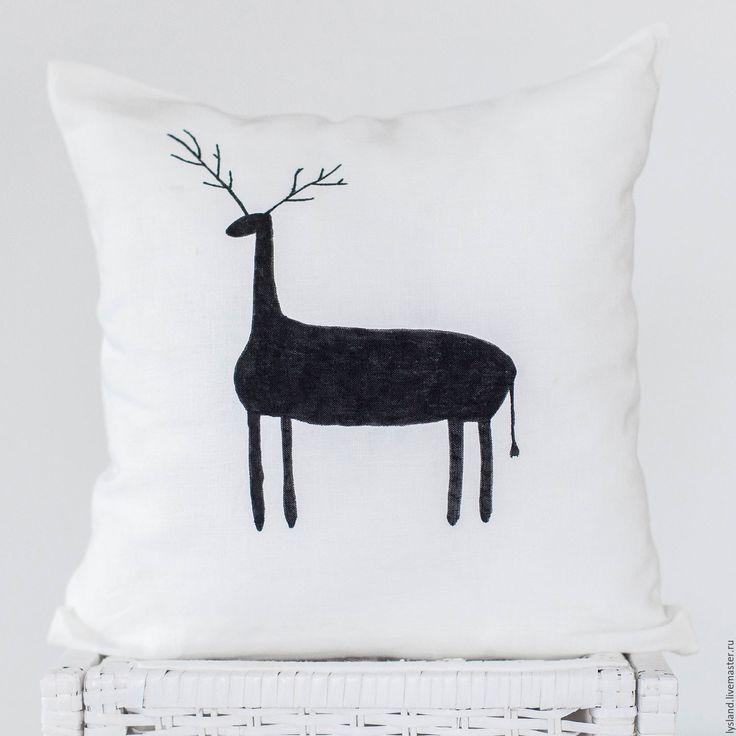 Купить Подушка в скандинавском стиле / Подарок на Новый год 2017 / Олень - белый, подушка